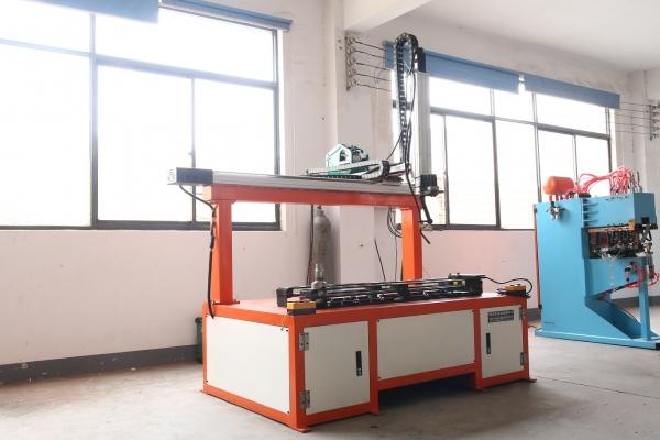 全自动数控坐标焊接机器人